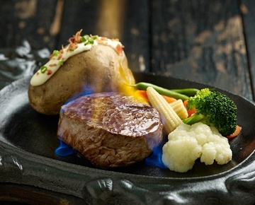 Jack's Place is the trusted favourite for family and friends to enjoy great value sizzling steaks, specialty meals and sumptuous cakes. It is committed to serving quality food and creating memorable dining experiences in a cheerful and cosy environment for its guests.